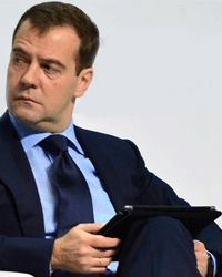 Медведев с iPad зашел на заблокировнный RuTracker через WiFi ВГИКа